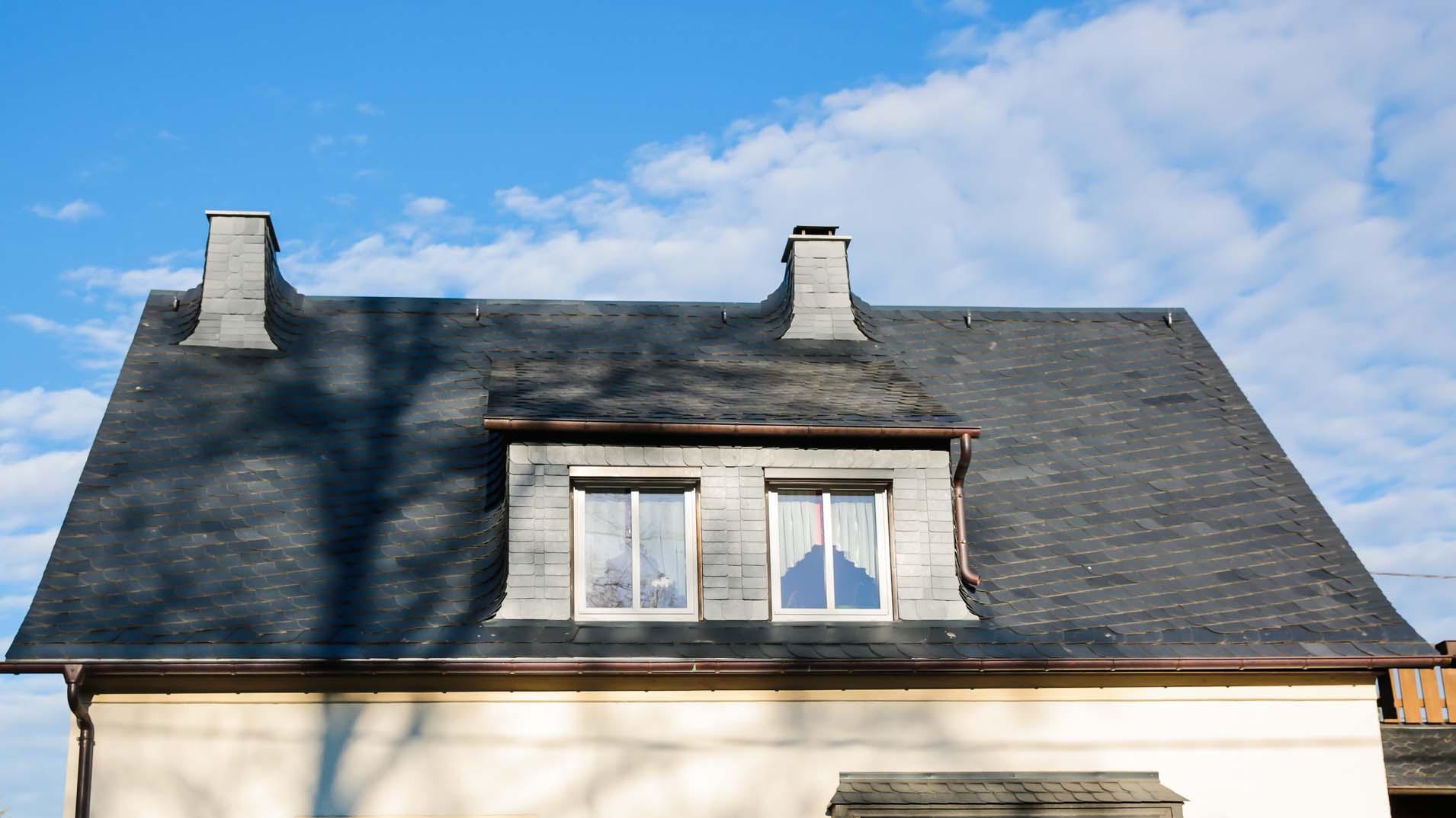 Dachsanierung mit Naturschiefer, Bogenschnittschablone